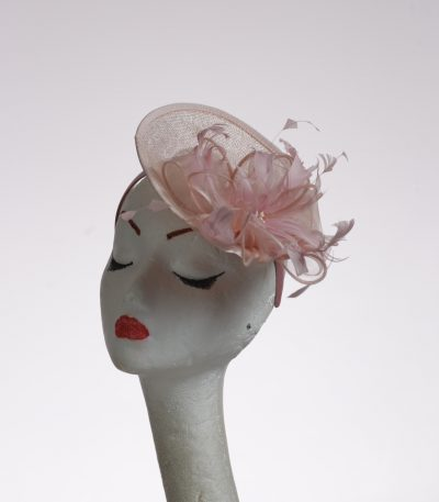 pale pink small saucer with bow and feathers headband fascinator hat